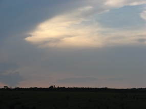Cloudy at dusk in Chimbongo, Luxilo