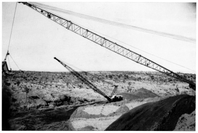 DIAMANG 1955 - Mining and overburden removal with RB 54B