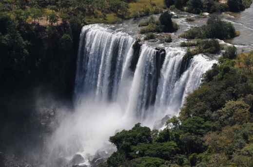 Luando river waterfalls, May 2009