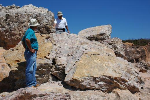 @ site 36 with Fernando Vieira and Diogo Pinto, Conglomerado Diamantífero Sopa, Região de Diamantina, MG