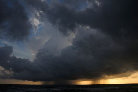 Doom is coming: monsoon rain the Indian Ocean across Bentota