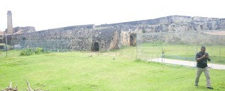 Texting @ Galle Fort