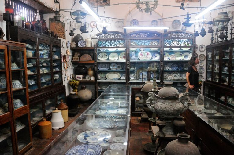 Treasures from the past in the Historical Mansion @ Galle Fort