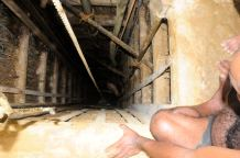 Ascending from hell (well) @Ratnapura sapphire mine