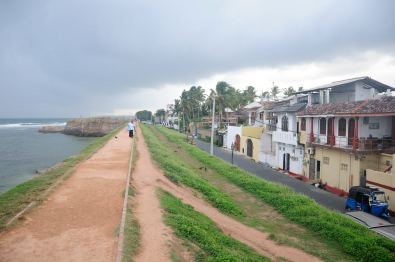 The wall over the ocean @ Galle Fort