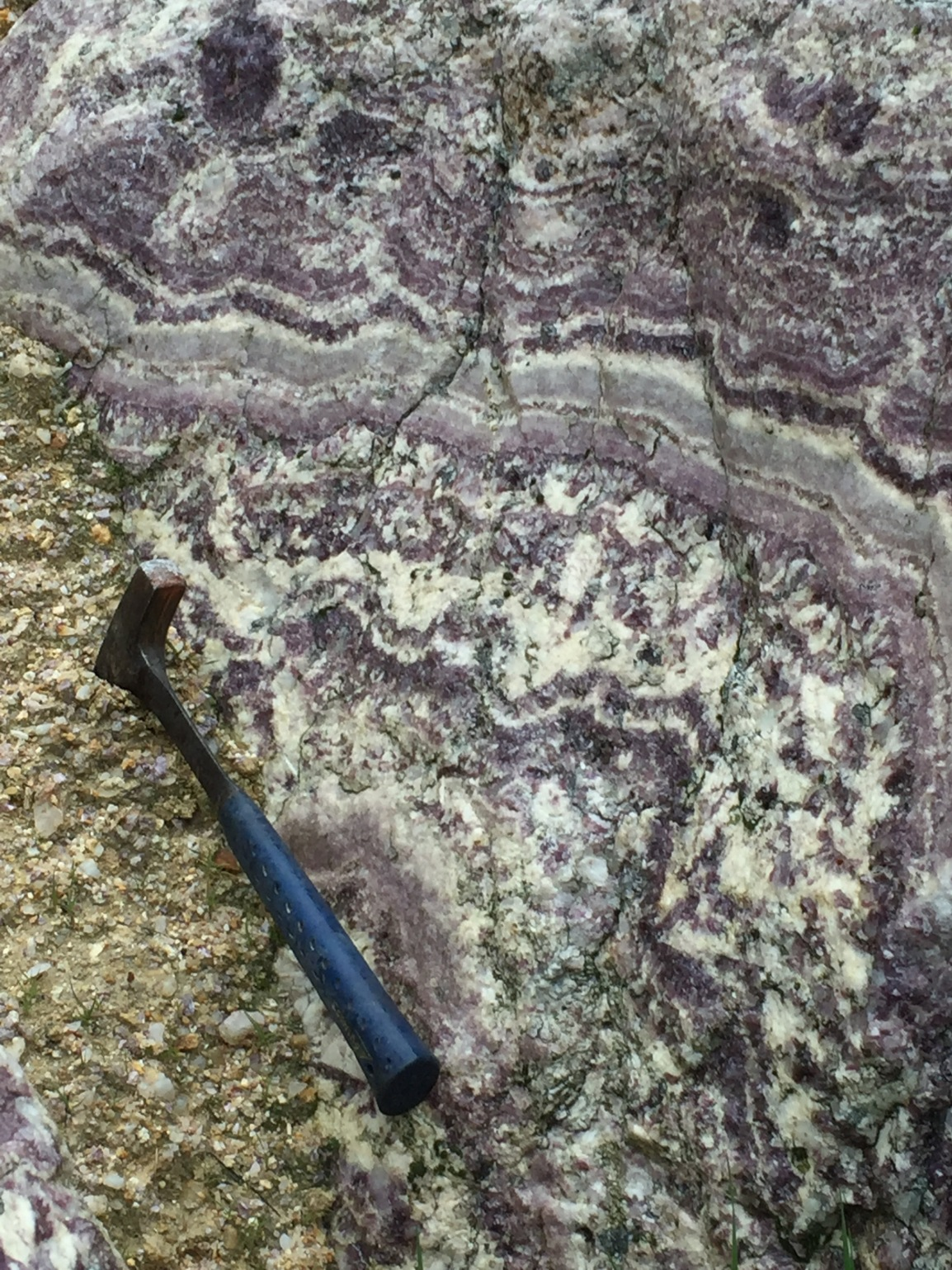 Lithium recovery from lepidolite