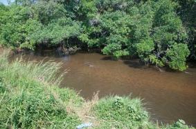 Cascalho no rio Sombo
