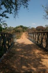 Ponte sobre o rio Sombo