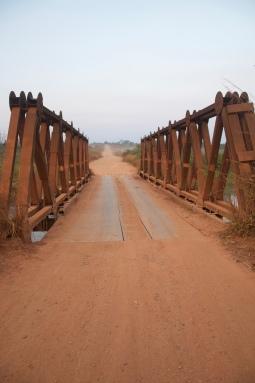 Ponte sobre o rio Luachimo
