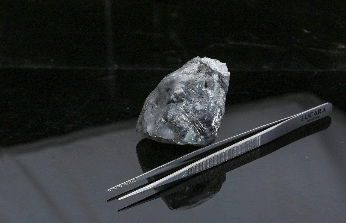 LUCARA RECOVERS 998 CARAT DIAMOND FOM THE KAROWE MINE IN BOTSWANA